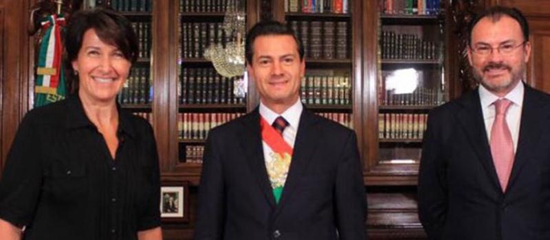 El presidente Enrique Peña Nieto recibió en Palacio Nacional las cartas credenciales de 12 nuevos embajadores.