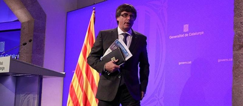 El presidente catalán, Carles Puigdemont, hablará mañana ante el Parlament oficialmente para informar de la situación política actual, pero se da por hecho que anunciará el próximo paso en el desafío secesionista que desde hace semanas tiene en vilo a España.