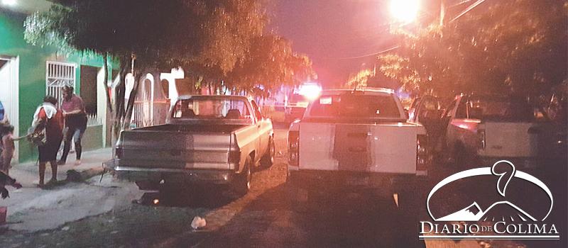 Sujetos dispararon anoche contra una vivienda, cerca de  donde vive un ex agente de la PGJE, junto al campo de futbol, de la colonia Valle Querido, en Tecomán.