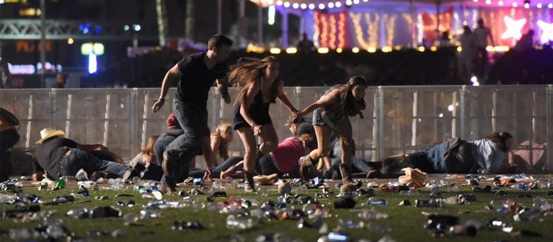 Un tiroteo en Las vegas, Nevada, dejó un saldo de al menos 59 personas muertas, incluido el presunto autor, que ya ha sido identificado como Stephen Paddock, de 64 años. Las víctimas se encontraban en un concierto de música al aire libre que se celebraba en las inmediaciones del hotel casino Mandalay Bay.