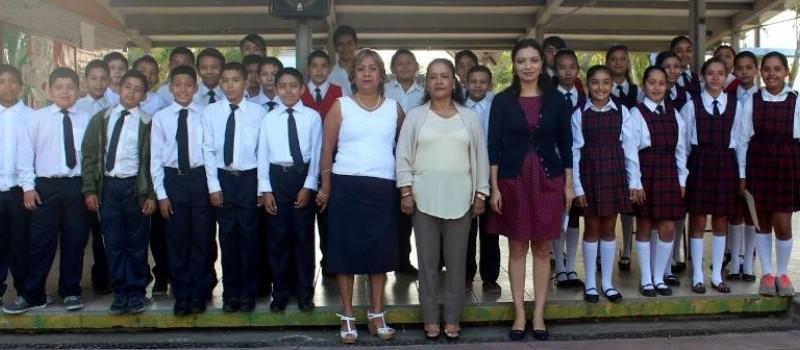La Senadora explicó que este año es clave para la transformación del sistema educativo mexicano y será en las próximas semanas en las que se verán los resultados de las estrategias implementadas por el gobierno federal.