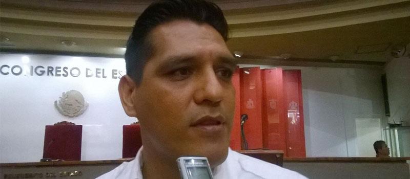 Diputado priista y presidente de la Federación de Estudiantes Colimenses (FEC), Héctor Magaña Lara.