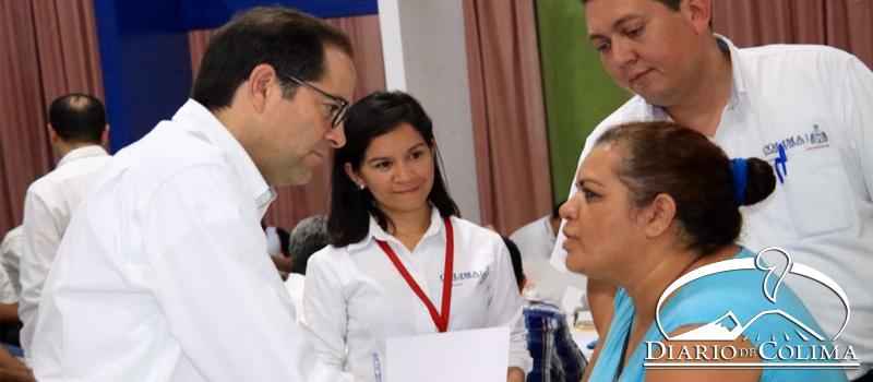 El gobernador José Ignacio Peralta Sánchez encabezó el Encuentro Ciudadano en Casa de la Cultura de Tecomán, donde junto con su Gabinete, atendió las peticiones de la gente.