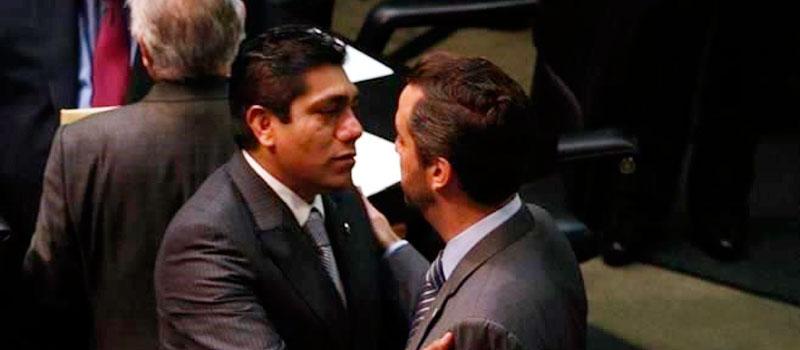 Los senadores Jorge Luis Preciado y Jorge Luis Lavalle