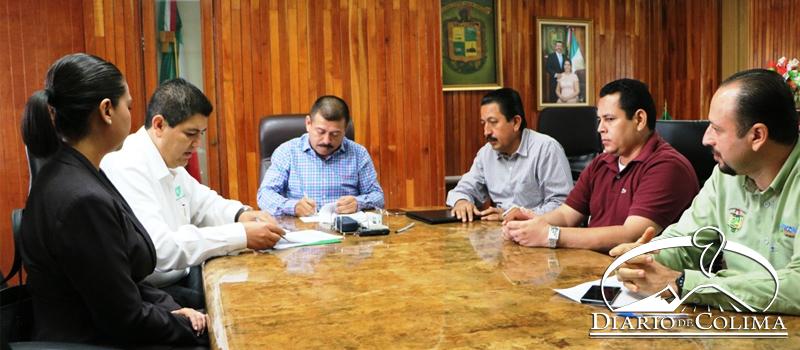 El superintendente de la CFE, Isaac Parra, y el alcalde José Guadalupe García Negrete firmaron un convenio de colaboración para ampliar el sistema de electrificación en Tecolapa, Caleras, Chanchopa, La Salada y la colonia Leonardo Jaramillo.