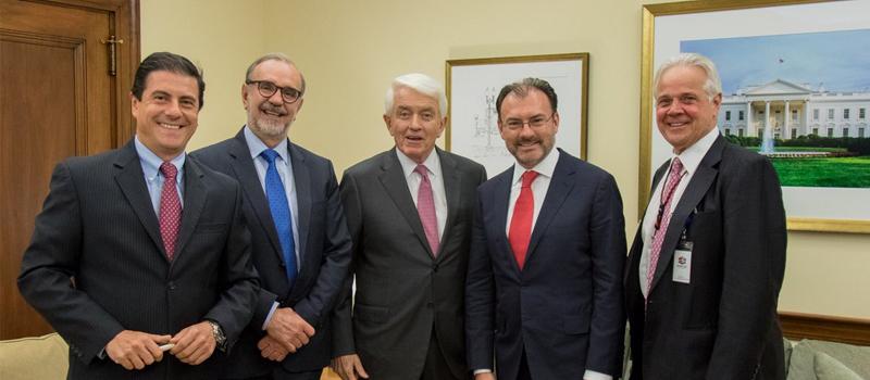 Imagen del pasado 3 de octubre donde Videgaray se reunió con Tom J. Donohue.