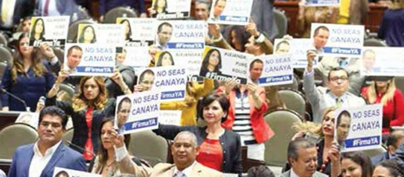 Priistas exigieron a los líderes de los otros partidos que firmen la renuncia a los recursos de este año para destinar ese dinero a los damnificados por el sismo.