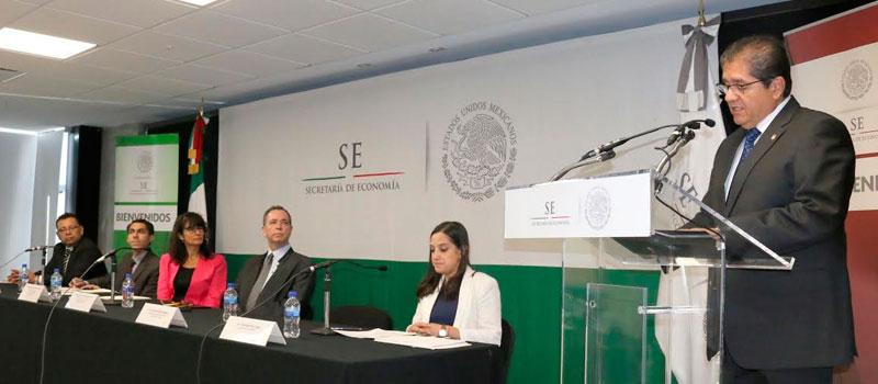 El rector de la Universidad de Colima, Eduardo Hernández Nava, anunció el III Foro de Gobernadores del Pacífico Mexicano, que se realizará en agosto próximo, en la entidad.