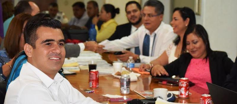 Presidente de la Comisión de Derechos Humanos, Asuntos Indígenas y Atención al Migrante, Riult Rivera.