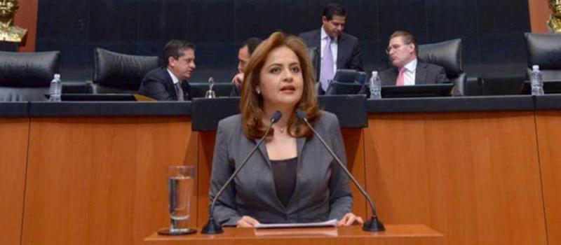 La senadora Ana Lilia Herrera.