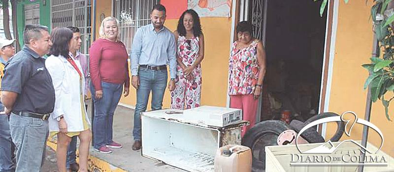 En Coquimatlán se inició una campaña de descacharrización para prevenir la proliferación del mosco transmisor del dengue, chikungunya y zika.