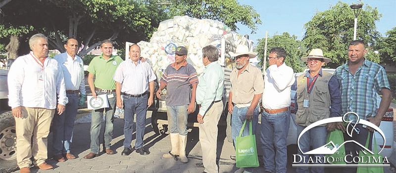 Para concientizar del daño que genera el no reciclar los envases vacíos de agroquímicos, en Armería llevó a cabo el 1er. Maratón de Recolección de Envases Vacíos de Agroquímicos, con la participación del Ayuntamiento, Cesavecol y Secretaría de Salud.